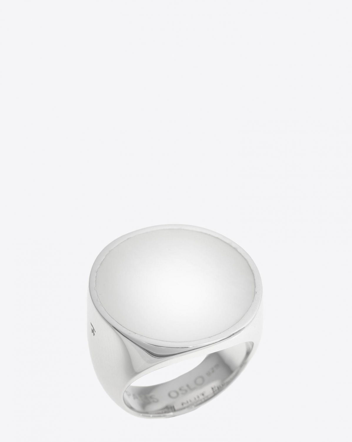 Tom Wood Flush White Mother of Pearl Circle Ring